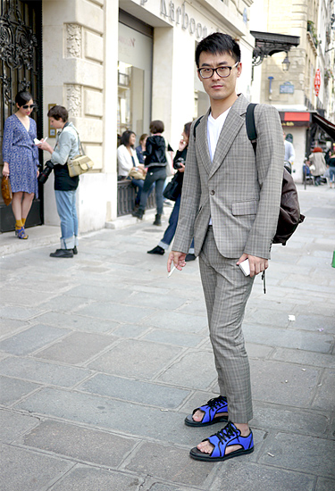 Comfy shoes and suit · Paris Streetstyle