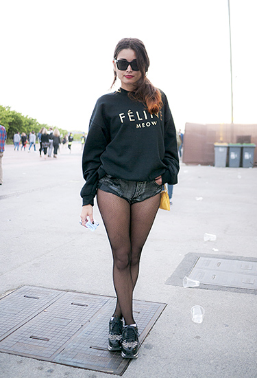 Féline Sweater & MicroShorts