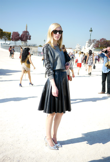 Pleated leather skirt | Paris Streetstyle