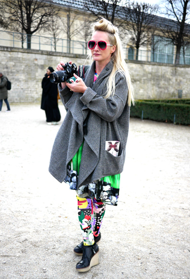 Grey overcoat and colorful prints | Paris Streetstyle