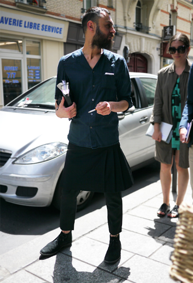 Skirt for him · Paris Streetstyle