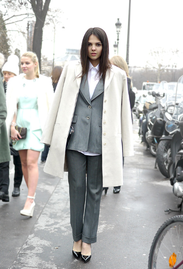 Doina Ciobanu | Blogger in a suit | TheGoldenDiamonds