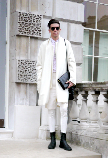 White outfit for Him | London Streetstyle