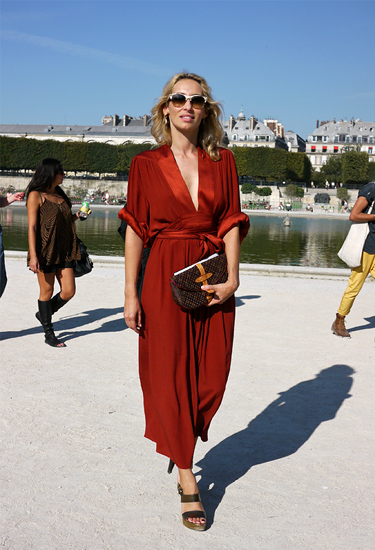 Red | Paris Streetstyle