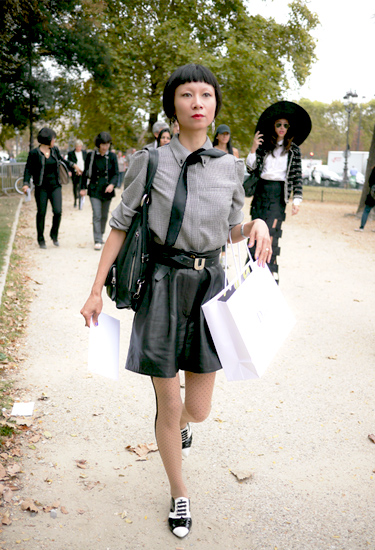 On her way to Chanel   Streetstyle