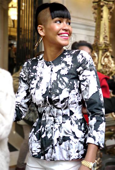 Smiling Saturday ! Paris Streetstyle