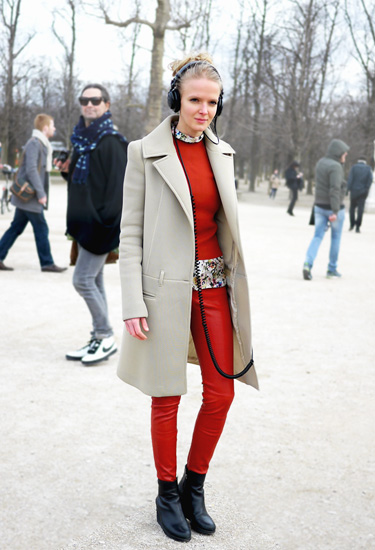 With my headphones on | Streetstyle PFW